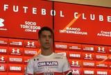 "Thomaz volta para casa depois de 17 clubes, e reencontra ""técnico-ídolo"""