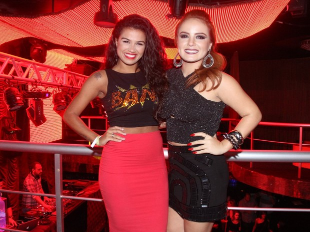 MC Sabrina e MC Bruninha em boate na Zona Sul do Rio (Foto: Graça Paes/ Foto Rio News)