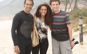 Taís Araújo, Marcos Pasquim e Miguel Roncato gravam sequência na praia