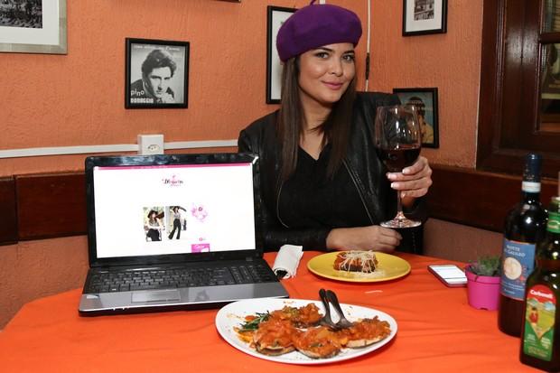 Geisy Arruda comemora primeiro post em seu blog  (Foto: Danilo Carvalho/ Agência Fio Condutor)