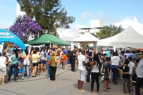 No Bairro Santa Rosa, em Divinópolis, os parceiros levaram mais de 40 serviços para a população (Foto: Divulgação | TV Integração)