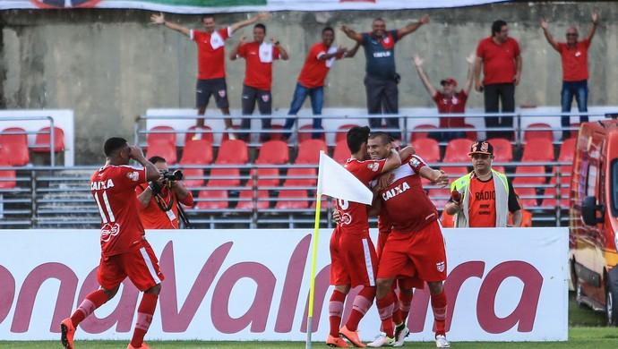 Jogadores comemoram gol do CRB - CRB x CSA, no Rei Pelé (Foto: Ailton Cruz/Gazeta de Alagoas)