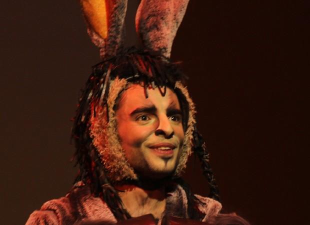 Beto Sargentelli como o Burro Falante em 'Shrek - O Musical' (Foto: Divulgação)