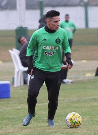 Meia finalizador e versátil  o que Raphael Veiga traz ao Palmeiras f9b6d3d6fd718
