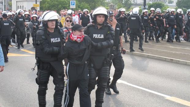 polônia e rússia briga de torcidas (Foto: Marcos Felipe/GLOBOESPORTE.COM)