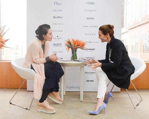 Mari Di Pilla, editora de moda, entrevista Luisa Delgado, CEO da Safilo (Foto: Divulgação)