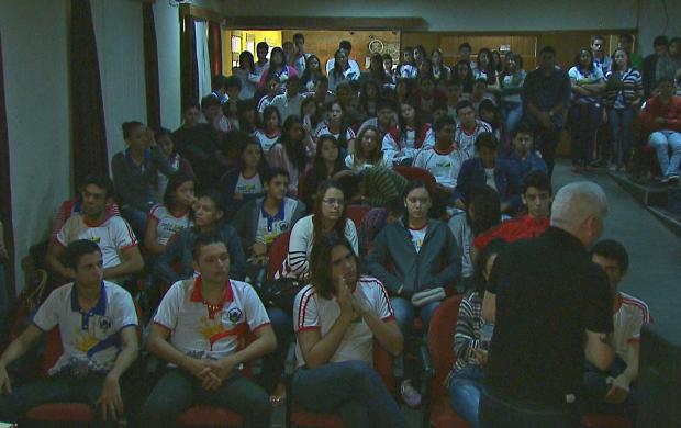 Jovens passam por teste vocacional no Acre (Foto: Bom Dia Amazônia)