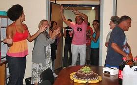 Equipe comemora aniversário de Alexandre Borges