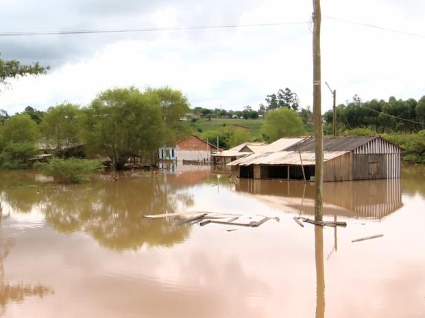 rio pardo, chuva, rs (Foto: Reprodução/RBS TV)