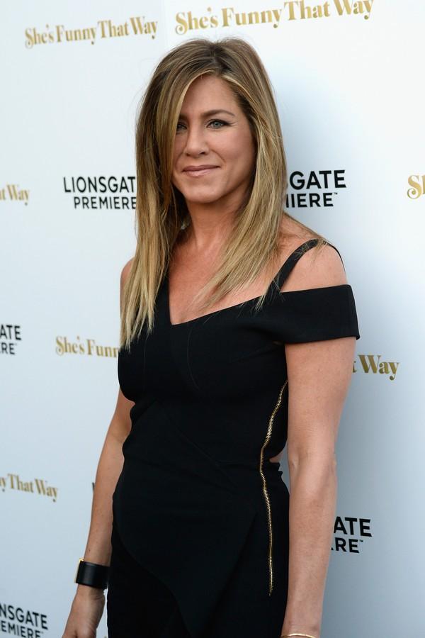 Jennifer Aniston também levou uma entrevista na brincadeira (Foto: Getty Images)
