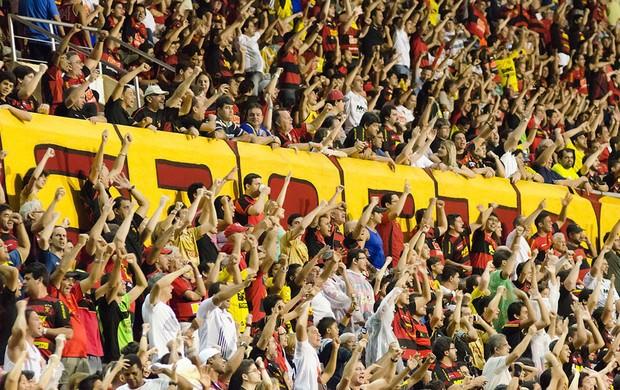 Torcida do Sport na Ilha do Retiro (Foto: Wagner Damásio/Divulgação Sport)