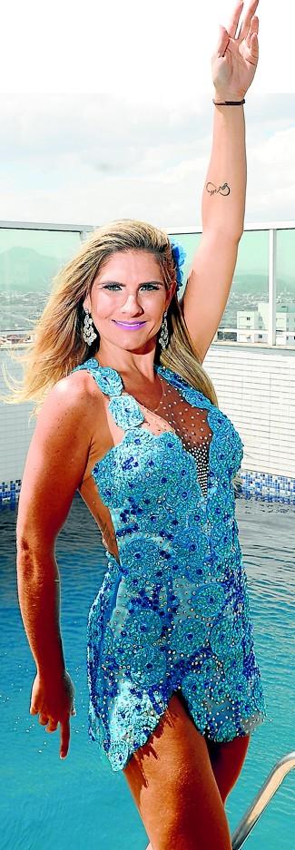 Empresária perde 55 kg e vira rainha de bateria de escola do Espírito Santo (Foto: Vitor Jubini/A Gazeta)