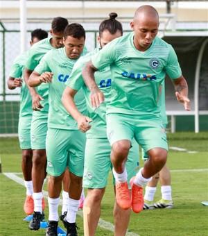 Paulinho - lateral-esquerdo do Goiás (Foto: Rosiron Rodrigues / Goiás E.C.)