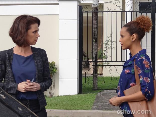 Sandra tenta desconversar e fala para jornalista procurá-la depois (Foto: Geração Brasil/TV Globo)