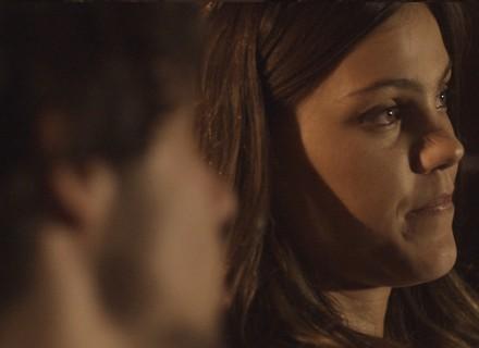 Luan dá em cima de Alina: 'Eu só  quero um beijo. É muito?'