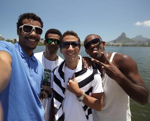 Marcello com os amigos  (Foto: Arquivo pessoal)