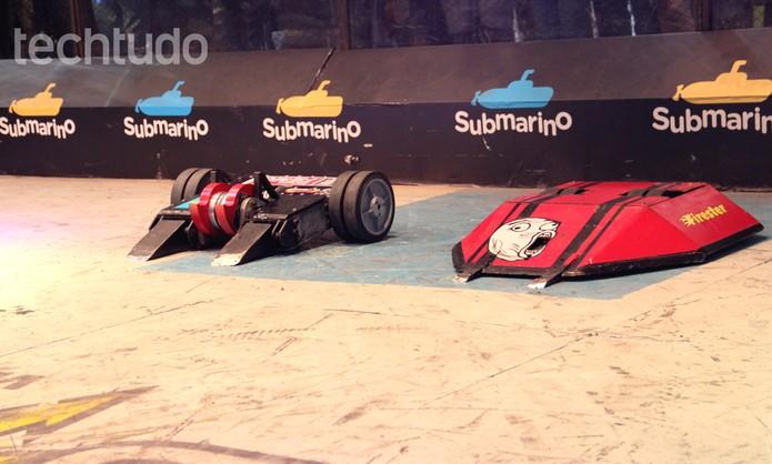 Batalha de robôs em empolga participantes da Campus Party 2014 (Foto: Melissa Cruz/TechTudo)
