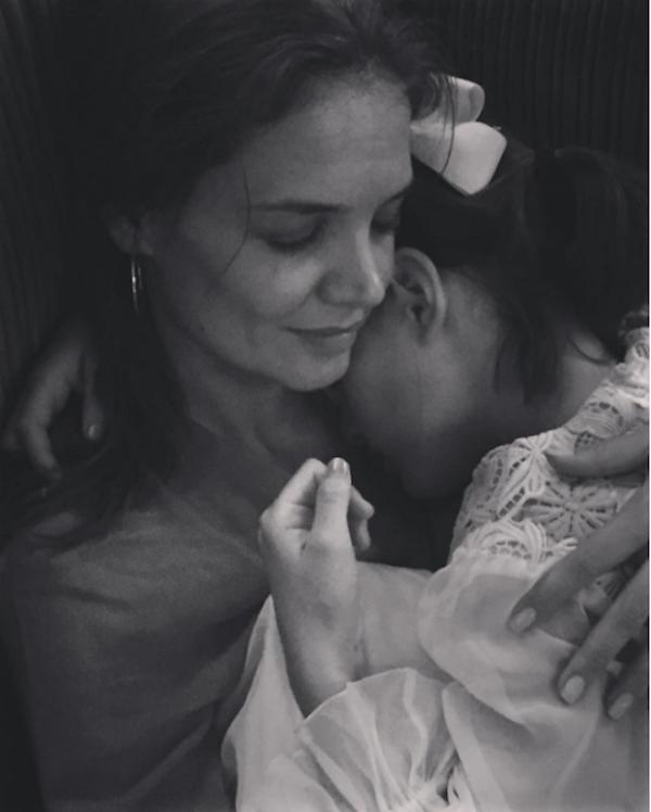 A atriz Katie Holmes com a filha, Suri Cruise (Foto: Instagram)