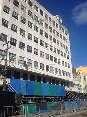 Edifício Tebas, no Centro do Recife (Foto: Luna Markman / G1)