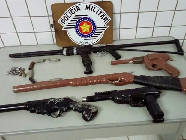 Armas eram feitas em um sítio, no bairro Água Branca (Foto: Divulgação/Polícia Militar de Tatuí)