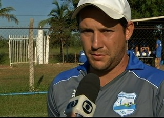 Lucas Oliveira, técnico do Grêmio Anápolis (Foto: Reprodução/TV Anhanguera)