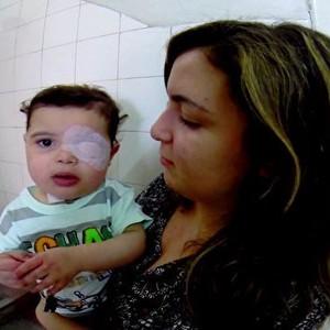 Menino que não pode dormir sem aparelho vive há 3 anos dentro de hospital (Rede Globo)