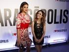 Solteira, Bruna Marquezine vai com Tatá Werneck a festa de novela
