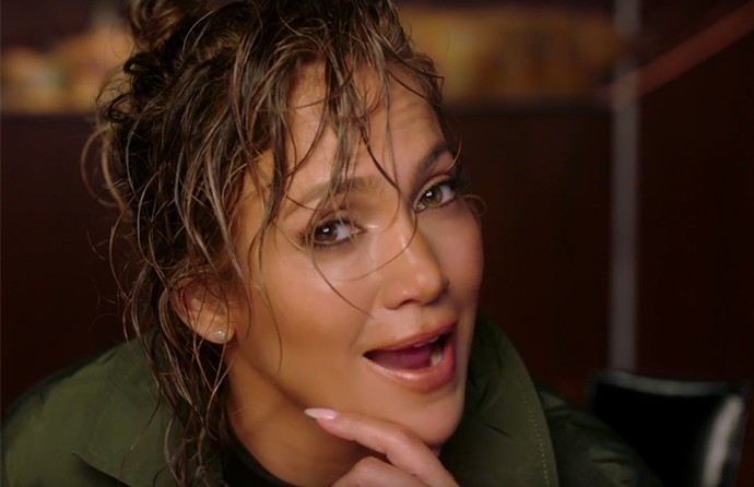 Jennifer Lopez lança clipe para Ain't Your Mama (Foto: Reprodução)