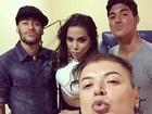 Anitta posa entre Neymar e Gabriel Medina em festa em São Paulo