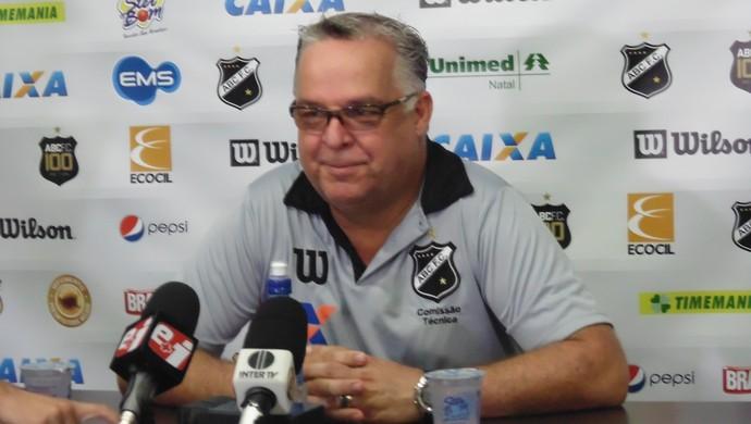 Josué Teixeira - treinador do ABC (Foto: Alexandre Filho/GloboEsporte.com)