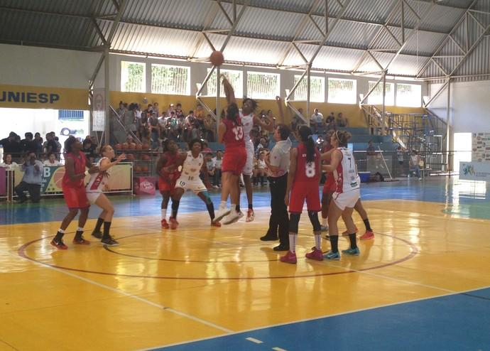 Venceslau x Maranhão Basquete (Foto: João Paulo Tilio / GloboEsporte.com)
