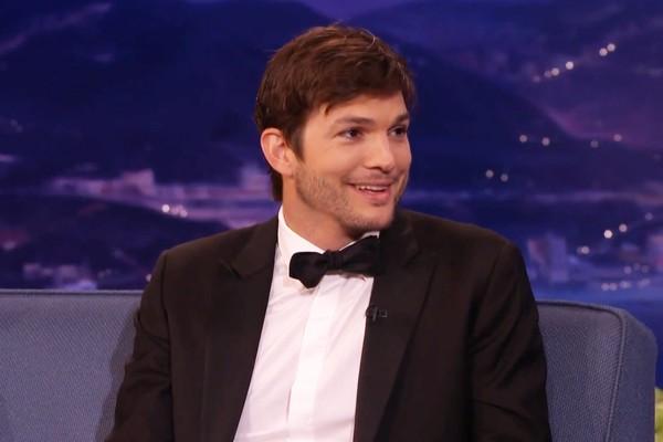 Ashton Kutcher (Foto: Reprodução / YouTube)