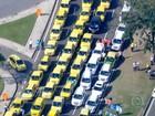 Taxistas protestam contra aplicativos que oferecem serviço de transporte