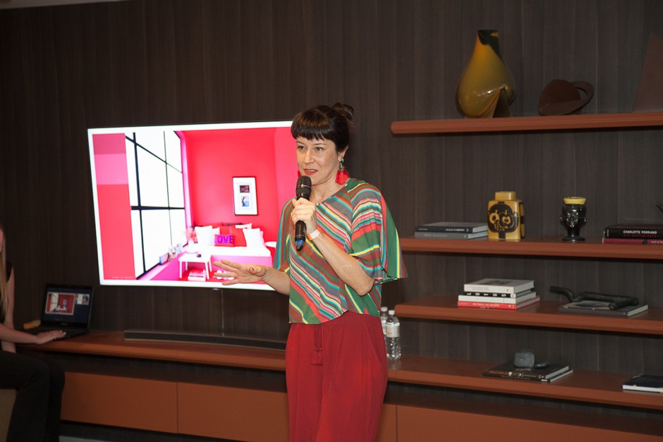 Depois, foi a vez de Ana Kreutzer, da Suvinil, falar sobre as tendências de cores (Foto: David Mazzo)