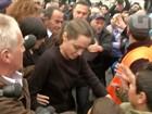 Angelina Jolie visita refugiados sírios no Líbano: 'Tratados como mendigos'