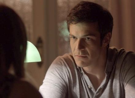 Eric aconselha Sandra Helena a entregar quarto ladrão