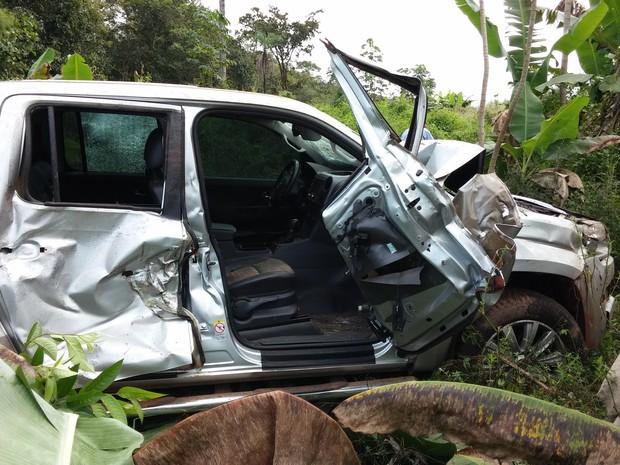 Deputada estadual do Tocantins, Amália Santana, sofre acidente na BR-153 (Foto: Phablo Martins/ TV Anhanguera)
