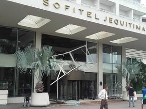 Incidente aconteceu no início da tarde desta segunda-feira (Foto: G1)