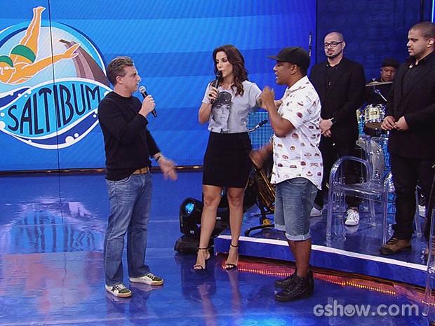Ivete e Psirico cantam juntos no palco do Caldeirão (Foto: Caldeirão do Huck/TV Globo)