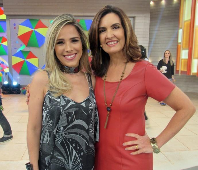 Fátima Bernades e Wanessa nos bastidores do Encontro (Foto: Priscilla Massena/Gshow)