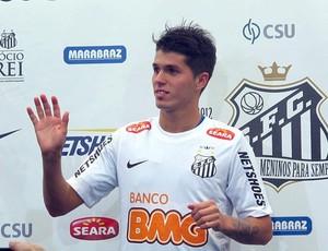 Patito apresentação Santos (Foto: Marcelo Hazan / Globoesporte.com)