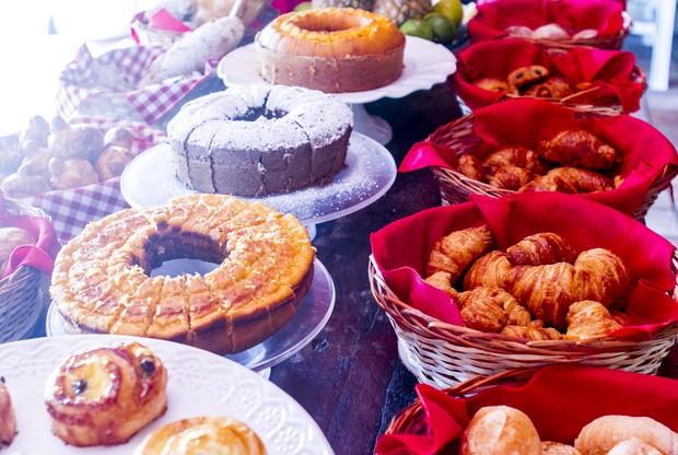 Fartura no café da manhã é marca do hotel fazenda comandado por Marlene Mattos (Foto: Anderson Barros/EGO)