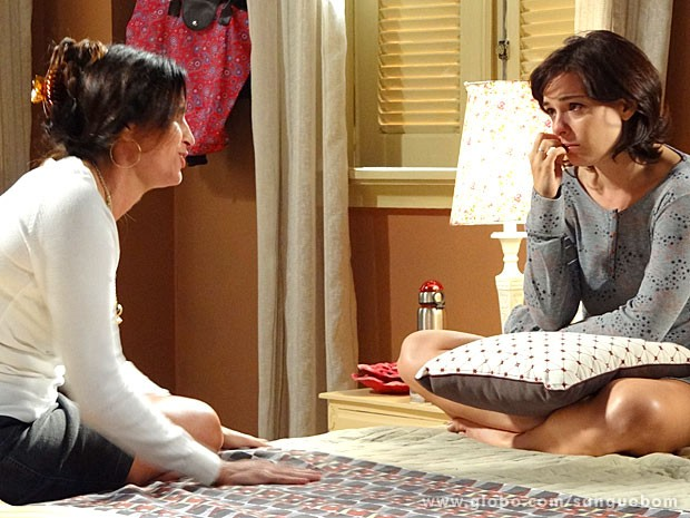 Renata sofre ao falar com Rosemere (Foto: Sangue Bom / TV Globo)