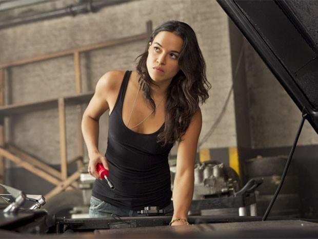 Michelle Rodriguez em cena de 'Velozes e furiosos 6' (Foto: Divulgação)