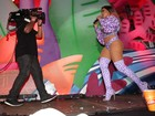Anitta usa peruca de Ludmilla para show em festival