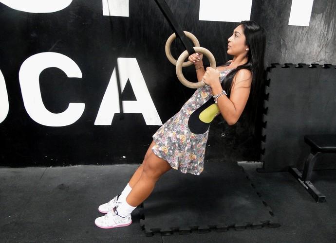 Amanda se equilibra nas argolas  (Foto: Vitor Moreno/Gshow)