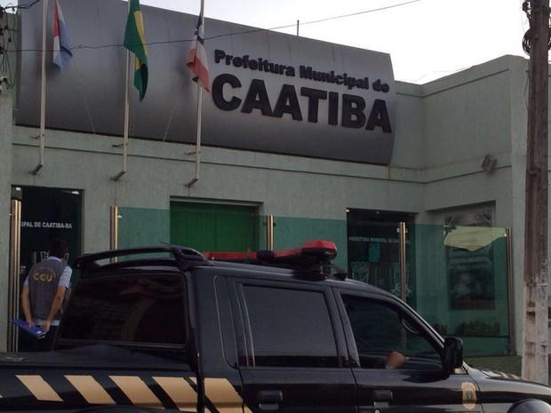 Esquema simulou licitações e superfaturou serviços, conforme investigação (Foto: Divulgação/ PF)