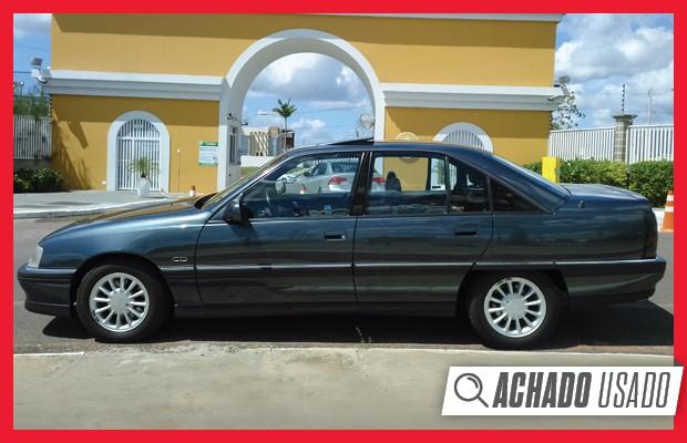 As rodas do Omega 1997 são originais, tal como os pneus e o estepe (Foto: Reprodução)