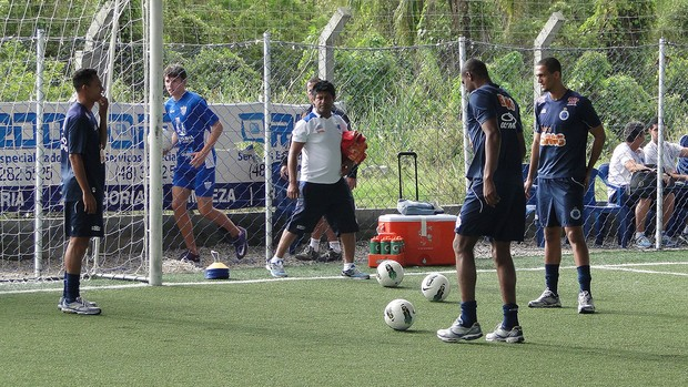 Treino Cruzeiro em Florianopolis (Foto: Tarcisio Badar&#243; / Globoesporte.com)