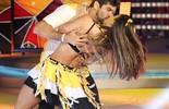 'Dança': primeira fase é marcada por beijões quentes dos famosos nos professores e nas bailarinas!